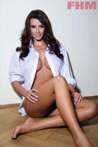 Iuliana-Luciu-SEXY-In-FHM-01