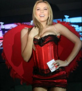 scene-fierbinti-intre-roxana-ionescu-si-unul-dintre-cei-mai-sexy-sportivi-din-romania-crezi-ca-ar-forma_1_size1