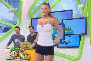 video-roxana-vancea-intr-un-dans-interzis-minorilor-1