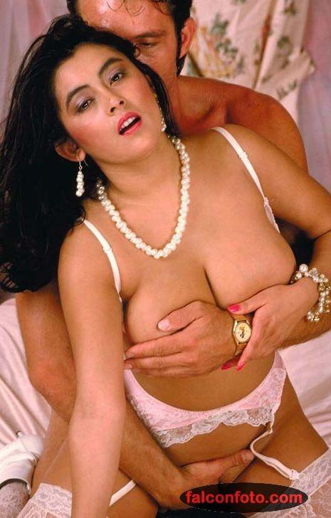 dominique bouche actrita porno cu sani mari care iubeste sexul anal