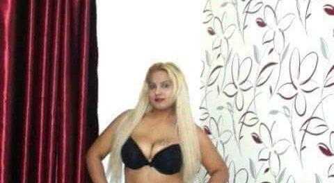 Buna sunt Nicoleta,am 23 ani,o fire rabdatoare,iti pot oferi clipe de vis
